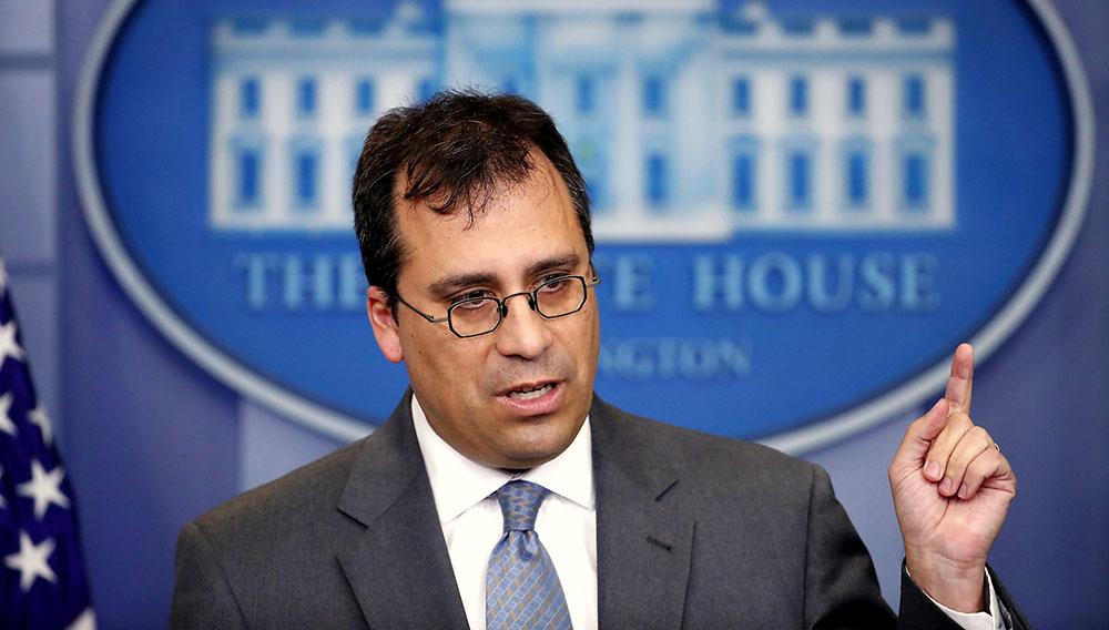 Lee Francis Cissna, director del USCIS, durante una conferencia de prensa en la Casa Blanca.