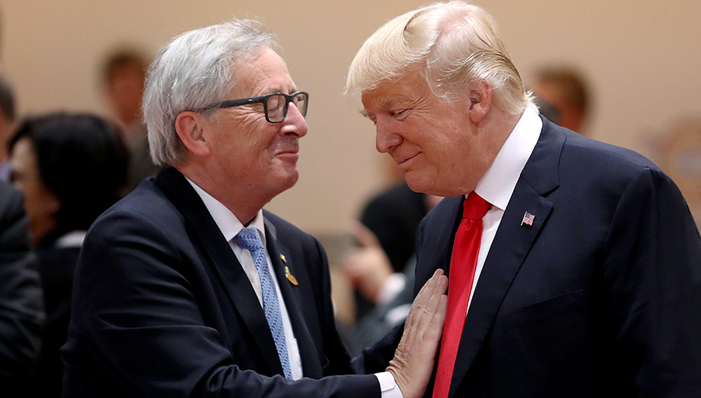 Juncker chats with Trump last July. (Reuters/Michael Kappeler)