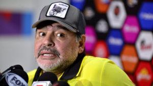 ZACATEPEC, MÉXICO. El técnico argentino de Dorados de Sinaloa, Diego Armando Maradona, habla en rueda de prensa tras el juego correspondiente a la jornada 11 del torneo de Ascenso MX en el estadio Coruco Diaz en Zacatepec, en el estado de Morelos, México. Tony Rivera/EFE