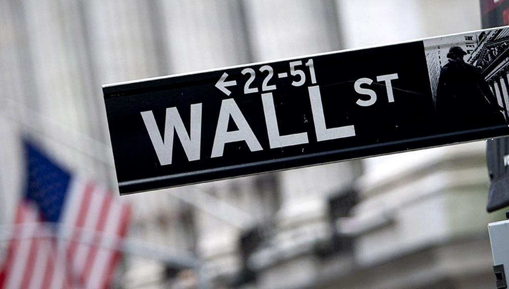 Cartel en una esquina de la calle Wall Street.
