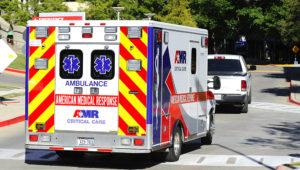 RL01. DALLAS (TX, EE.UU.), 15/10/2014.- Una ambulancia transporta a la enfermera Amber Joy Vinson del Hospital Presbiteriano al Emory University Hospital después de que fuera confirmada de haber contraído el Ébola hoy, miércoles 15 de octubre de 2014, en Dallas, Texas (EE.UU.) . La segunda enfermera contagiada de ébola en Dallas (Texas) será trasladada al hospital Emory de Atlanta, donde ya fueron atendidos con éxito dos personas con esta enfermedad, informó hoy el director del los Centros de Control y Prevención de Enfermedades (CDC), Thomas Frieden. EFE/RALPH LAUER