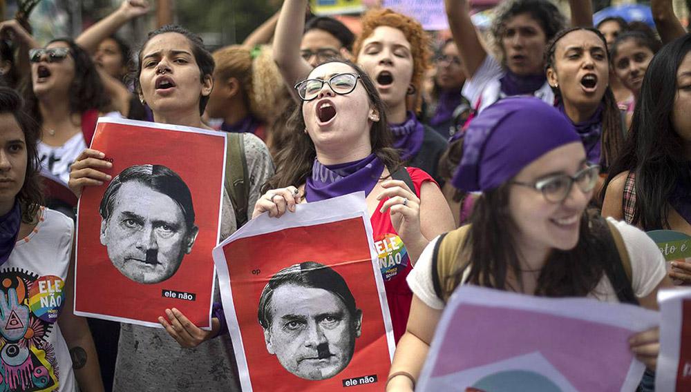 Manifestación contra Jair Bolsonaro, el sábado, en la plaza Cinelândia, en Río de Janeiro. Foto: Miguel Schincariol