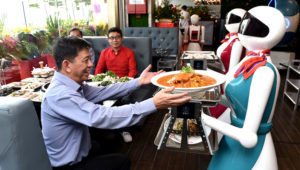 Robot restaurant – Rong Heng Seafood Restaurant / Image Credit: asiaone