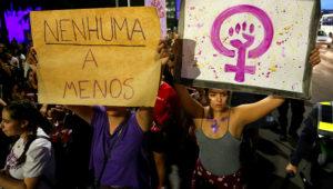 Brasília - Mulheres fazem manifestação por direitos iguais, contra o racismo e contra a violência, na Esplanada dos Ministérios (Fabio Rodrigues Pozzebom/Agência Brasil)