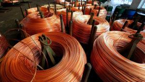 Varas de cobre en la fábrica de cables Truong Phu en la provincia norteña Hai Duong, Vietnam, 11 de agosto de 2017. Imagen de archivo. REUTERS/Kham