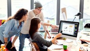Hipsters persone diversità lavora nell'ufficio contemporaneo, concetto di lavoro di squadra — Foto di Rawpixel. Depositphotos