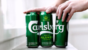 The new Carlsberg 'snap pack' that, it is claimed, will cut plastic use by up to 76%. Photograph: Thorbjorn Fessel