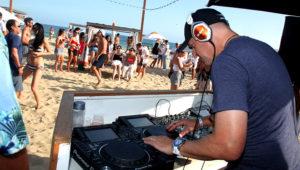 Goldman Sachs CEO DJs on Montauk Beach for Millennial Bankers - Bloomberg