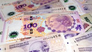 Billetes de 100 pesos argentinos. Getty Images