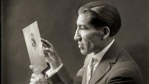 Portada del suplemento cultural 'Variedades' del diario El Peruano, homenaje a Martín Chambi.