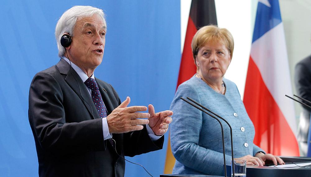 Berlín, Alemania 10 de octubre 2018. El Presidente de la República, Sebastián Piñera, sostiene una declaracion conjunta con la canciller de Alemania, Angela Merkel. Javier Torres/Aton Chile
