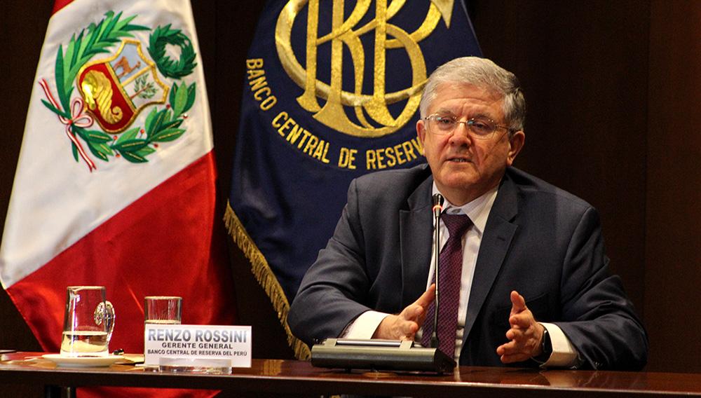 Renzo Rossini, Gerente General del BCRP, dando el discurso de inauguración de los cursos de actualización. Foto: Flickr.