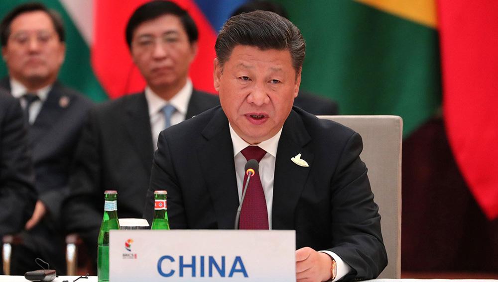 Председатель Китайской Народной Республики Си Цзиньпин на неформальной встрече глав государств и правительств стран – участниц БРИКС перед началом саммита «Группы двадцати» в Гамбурге. Пресс-служба Президента Российской Федерации