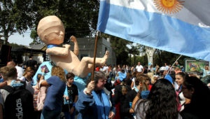 Protest against abortion in Buenos Aires, Argentina - 23 Mar 2019. | Photo: Shutterstock