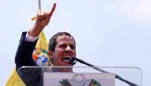 El presidente encargado de Venezuela, Juan Guaidó, hoy en concentración en el estado de Carabobo.