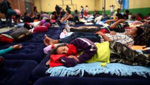 "Chiapas brindará asistencia en albergues a migrantes hondureños que ""ingresen regularmente"" a México. | Foto: Edwin Bercián/Publinews.gt"