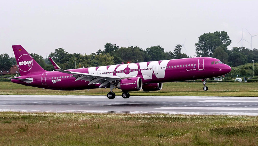 Despegue de un avión de la aerolínea islandesa de bajo costo WOW. Source: WOW Airlines
