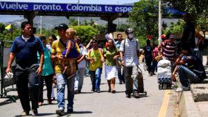 En la frontera entre Colombia y Venezuela se concentran todos los males de la crisis que motivó a tres millones de personas a dejar el país desde 2015. AFP / RONALDO SCHEMIDT