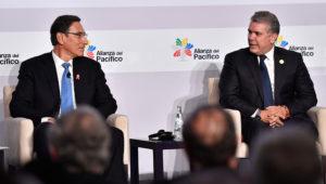 Presidentes de Perú y Colombia, Martín Vizcarra e Iván Duque, dialogan en el Encuentro Empresarial de la Alianza del Pacífico el 5 de julio de 2019 en Lima. | Cancillería del Perú (Flickr)