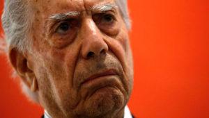 América Latina tiene grandes novelas que reflejan su barbarie, según Vargas Llosa. Foto: AFP.