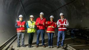 La titular del MTC, María Jara Risco, visitó el patio taller de la importante infraestructura ferroviaria ubicada en Ate. También puso en servicio el tramo de la Carretera Central ubicado entre los distritos de Ate y Santa Anita. | Foto: MTC Perú (Flickr)