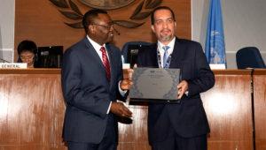El certificado del ente internacional fue recibido por el director general de Aeronáutica Civil del Ministerio de Transportes y Comunicaciones, Juan Carlos Pavic, en una ceremonia realizada en Montreal (Canadá).   Foto: MTC