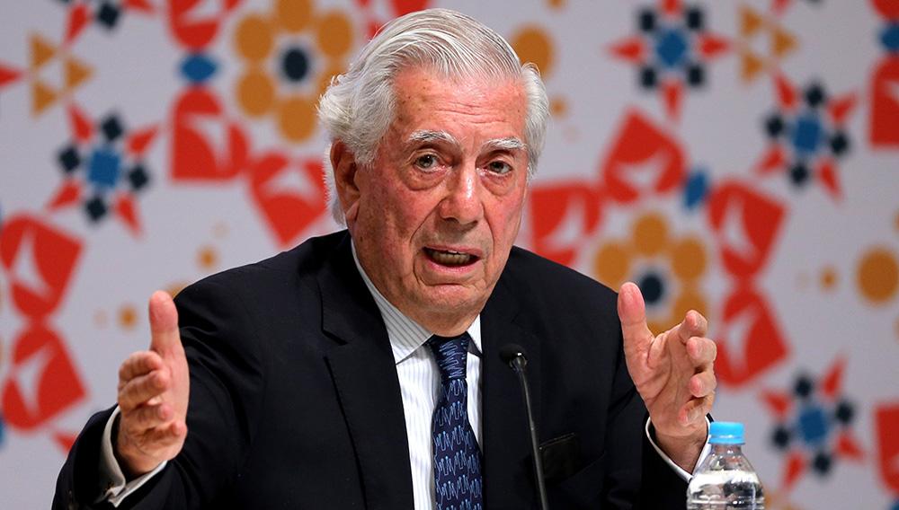 El escritor peruano y premio Nobel de Literatura, Mario Vargas Llosa, participa hoy, sábado 26 de noviembre de 2016, de la apertura del Programa Literario de América Latina, en el marco de la trigésima edición de la Feria Internacional del Libro de Guadalajara (México). EFE