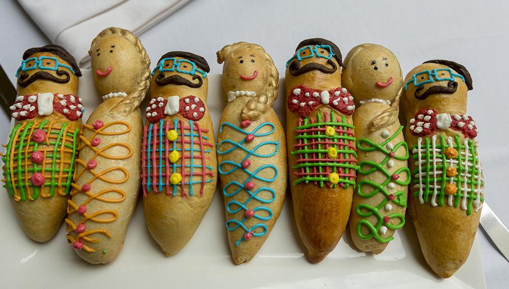Guaguas de pan y colada morada.   Foto: Metropolitan Touring