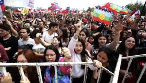 Se realiza acto cultural por el derecho de vivir en paz convocado por redes sociales por la organización social realizado en el Parque O'Higgins. Javier Salvo/ Aton Chile