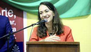 Ministra Ana Teresa Revilla participó en la muestra artística penitenciaria El poder del arte. Foto: Ministerio de Justicia y Derechos Humanos de Perú (Flickr)