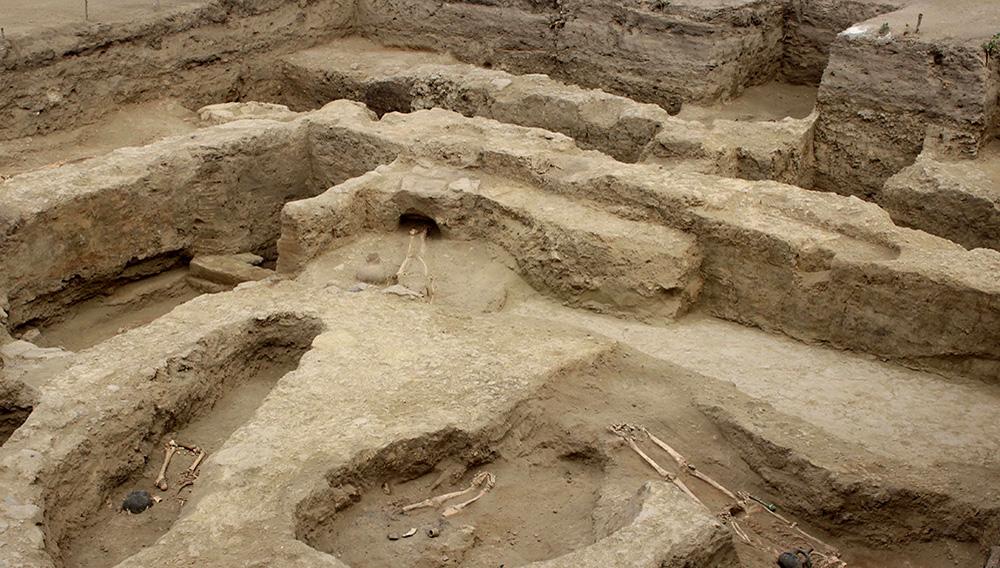 Fotografía del 18 de diciembre de 2019 cedida por la Unidad Ejecutora 005 Naylamp Lam del complejo arqueológico de Santa Rosa de Pucalá en el departamento de Lambayeque, en el norte de Perú. EFE/Unidad Ejecutora 005 Naylamp Lambayeque del Ministerio de Cultura