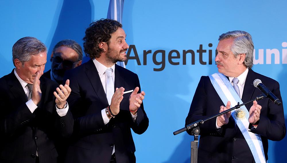 El presidente Alberto Fernández, el jefe de Gabinete, Santiago Cafiero, y el canciller Felipe Solá: tres jugadores claves en la negociación con Nicolás Maduro que solicitó Donald Trump (STRINGER/)