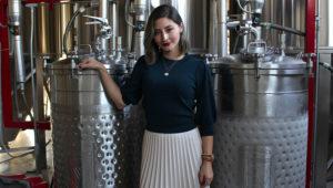 Fotografía fechada el 10 de enero de 2020, que muestra a la empresaria Alexia Sandoval, mientras posa en entrevista con Efe, en Ciudad de México (México). EFE/ Pedro Cortés