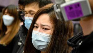 La OMS advierte que faltan máscaras y equipamiento para el coronavirus.   Photo: Philip FONG/AFP