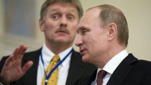 Dmitri Peskov y Vladímir Putin. Foto: Alexander Zemlianichenko