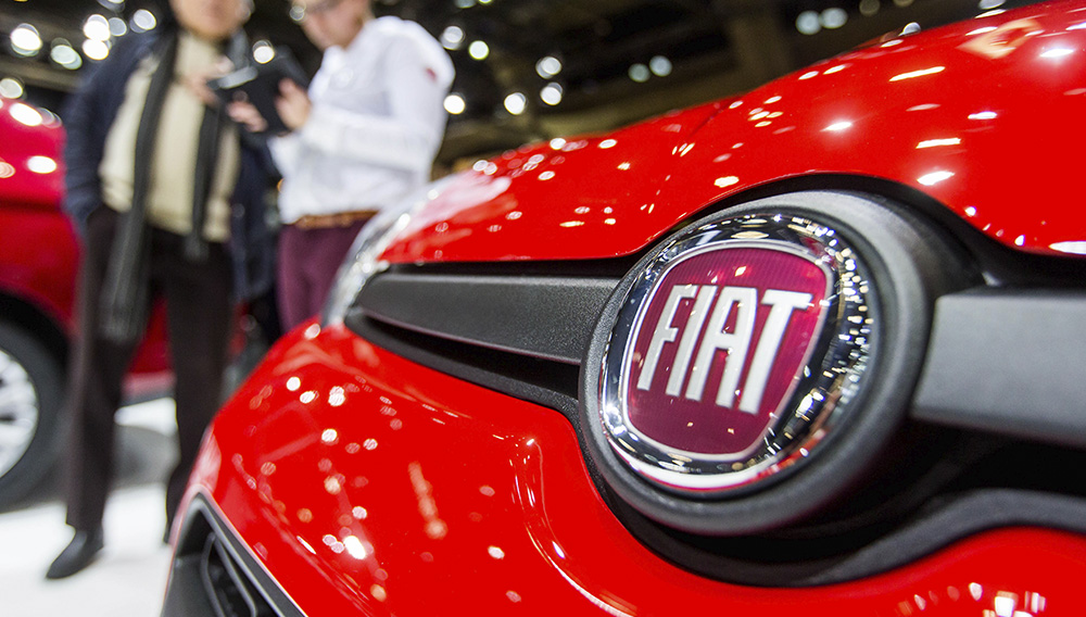 A company logo at a Fiat car presented at the Brussels Motor Show in Brussels, Belgium, 16 January 2017. Photo: EPA / STEPHANIE LECOCQ