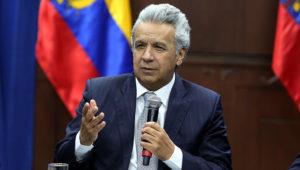 Fotografía cedida por Secom que muestra al presidente de Ecuador, Lenín Moreno, mientras participa en una reunión con dirigentes sindicales, en Quito (Ecuador). EFE/ Secom
