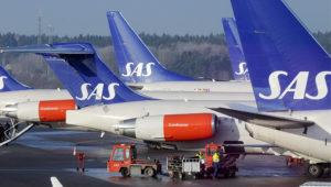 SAS plans $453m cuts and assets sale. Photo: Reuters