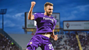 Florence (Italy), 16/09/2017.- Fiorentina's German Pezzella celebrates after scoring the 2-1 lead during the Italian Serie A soccer match between ACF Fiorentina and Bologna Fc at Artemio Franchi Stadium in Florence, Italy, 16 September 2017. (Florencia, Italia) EFE/EPA/MAURIZIO DEGL'INNOCENTI
