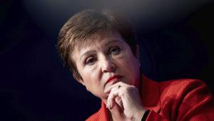 """La directora gerente del FMI, Kristalina Georgieva, dijo que es """"claro"""" que la pandemia del coronavirus ha llevado a la economía mundial a una recesión. AFP/Archivos / Brendan Smialowski"""