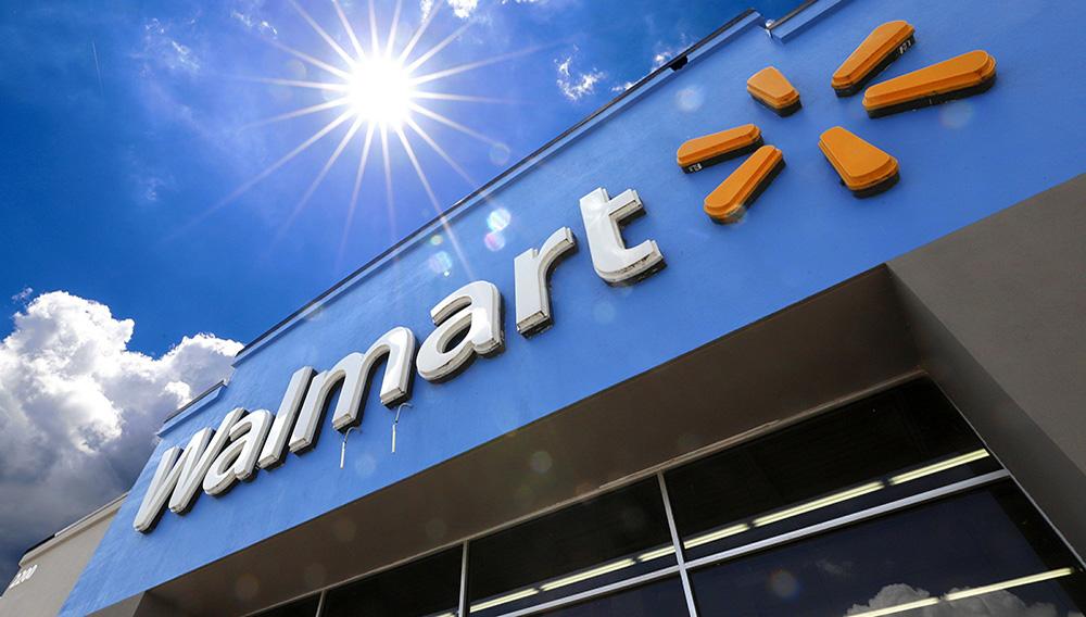 Walmart reduce horarios de atención por segunda vez desde brote de coronavirus. (Gene J. Puskar)