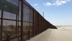 Pregnant Guatemalan teen, unborn child die trying to climb border wall in Texas. Photo: Associated Press.