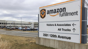 The Amazon Fulfillment Center parking lot is full in Kenosha, Wisconsin, USA. EFE/EPA/Tannen Maury/File