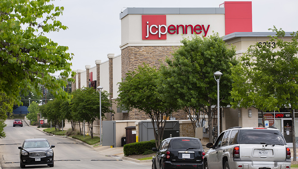 The exterior of the J.C. Penney located in the Timber Creek Crossing shopping center last month. (Juan Figueroa / Staff Photographer)