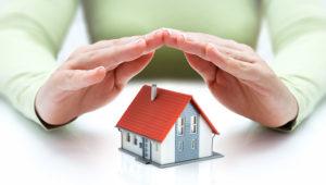 Concepto de seguro de bienes raíces. | Photo: 123rf.com