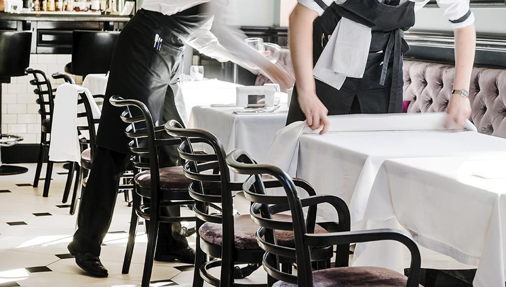 Photo: Restaurant service. | Maksim Shebeko/Adobe Stock