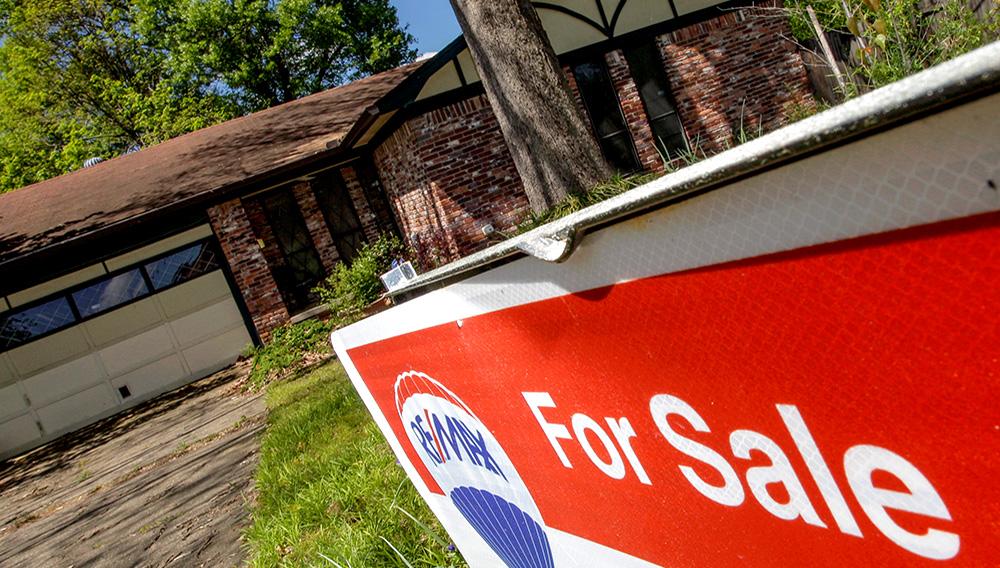 A home for sale in in a neighborhood between Rodney Parham Road and Markham Street in Little Rock.   Photo: Arkansas Democrat-Gazette/John Sykes Jr.