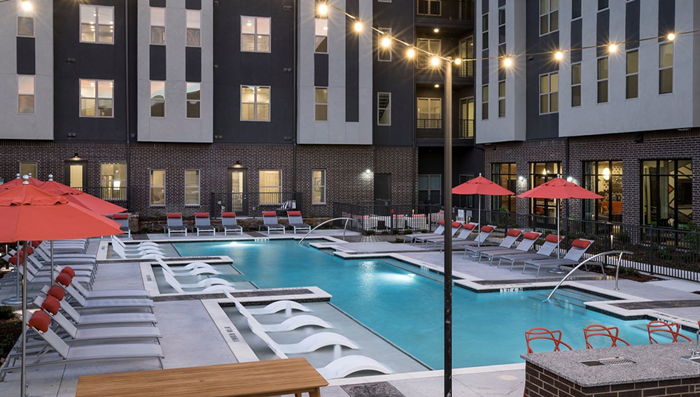 Alta Spring Creek includes 225 units in a mix of studio, one-, two- and three-bedroom floor plans. | Photo: Wood Partners