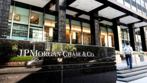 JPMorgan Chase & Co. building on Park Avenue in New York City. MICHAEL BROCHSTEIN—SOPA IMAGES/LIGHTROCKET VIA GETTY IMAGES