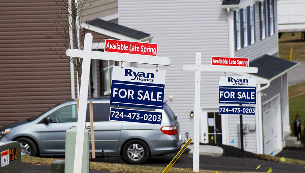 US new-home sales surge to fastest pace since 2006 as housing market shines through pandemic.   Photo: Associated Press